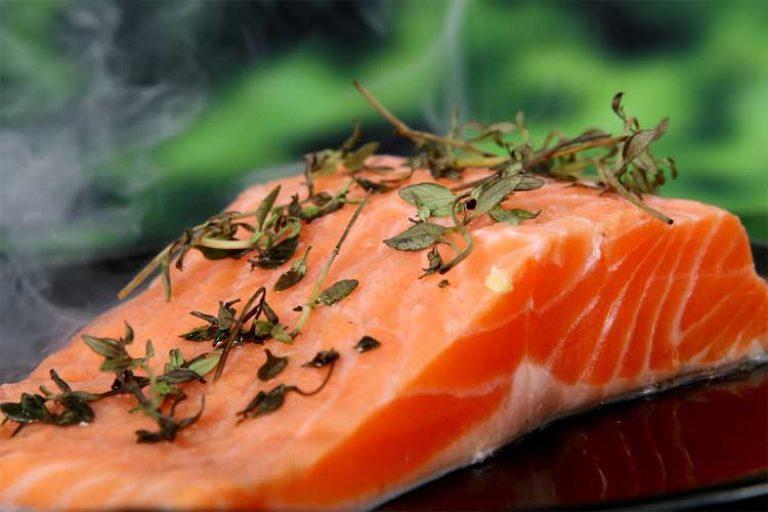 combien de protéine dans les saumons